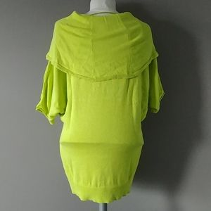 Vince Camuto lime green batwing 3/4 sleeve top